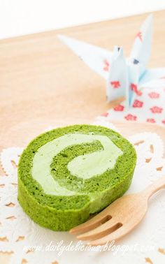 dailydelicious: Green tea Chiffon roll with easy buttercream