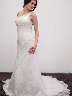 http://www.the-dress.ro/p/rochii-de-mireasa/colectia-2014