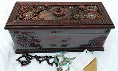 Mixed media jewellry box with wood, metal, stones Jewellry Box, Wooden Jewelry Boxes, Wood And Metal, Decoration, Mixed Media Art, Decorative Boxes, Beads, Cute, Stones