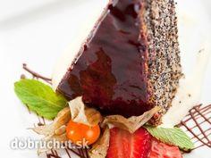 Šťavnatý makový zákusok - Tento koláč je trošku náročnejší na čas, ale výborný. Dokonca mak neostáva medzi zubami, nemusíte sa báť :)