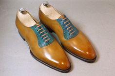 Mens dress shoes......kinda cool in a mad men sorta way:)