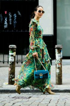 Loving these florals - #chic #streetchiC #streetstyle