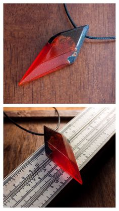 Diy Resin Crystals, Stones And Crystals, Wood Resin, Resin Art, Wooden Jewelry, Resin Jewelry, Rhombus Shape, Magical Jewelry, Ideias Diy