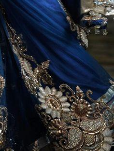 Zardozi Zardozi Embroidery, Suit, Crown, Pearls, Gold, Jewelry, Fashion, Moda, Corona