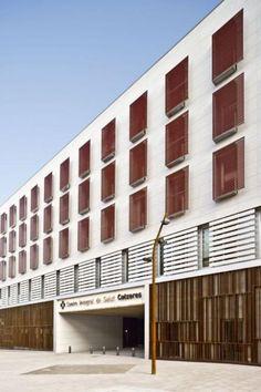 fachadas ventiladas del Centre Integral de Salut Cocheres