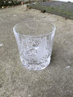 Vintage Edinburgh Crystal Robert Burns small whisky glass etched Auld Lang Syne by AimeEncore on Etsy https://www.etsy.com/uk/listing/472456321/vintage-edinburgh-crystal-robert-burns
