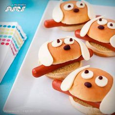 It's a dog-eat-dog world: slip hot dogs into hamburger buns an. - Animal Shaped Food Ideas -From Family Fun.It's a dog-eat-dog world: slip hot dogs into hamburger buns an. Cute Food, Good Food, Yummy Food, Awesome Food, Food Fails, Food Art For Kids, Dog Eating, Food Humor, Pinterest Recipes