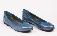 Navy Blau Loafers, Flats, Shoes, Fashion, Navy Blue, Travel Shoes, Loafers & Slip Ons, Moda, Zapatos