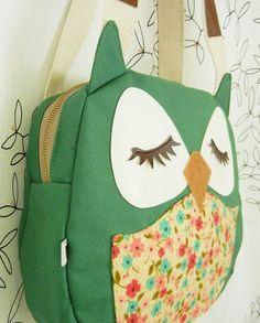 Wendy the Owl Applique Canvas Tote Purse Handbag Shoulder bag Owl Applique, Owl Bags, Owl Crafts, Baby Kind, Canvas Shoulder Bag, Kids Bags, Sewing For Kids, Tote Purse, Handmade Bags
