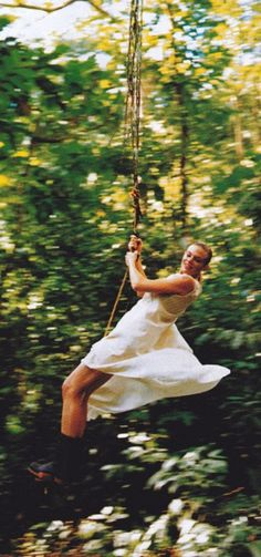 Swing and freedom (summer style, flowy white dress)