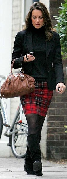 I love the fact that she wears plaid skirts with tights and boots because I do too. :-) : I love the fact that she wears plaid skirts with tights and boots because I do too. Kate Middleton Skirt, Looks Kate Middleton, Royal Fashion, Look Fashion, Womens Fashion, Mode Outfits, Winter Outfits, Pantyhosed Legs, Herzogin Von Cambridge