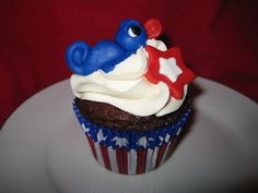 30 Spectacular Red, Blue, and White Cupcake  (2)