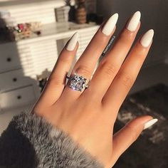Have you discovered your nails lack of some fashionable nail art? Yes, lately, many girls personalize their nails with lovely … Love Nails, How To Do Nails, Pretty Nails, My Nails, Beautiful Nail Art, Beautiful Rings, Popular Nail Art, Nails Polish, Living At Home