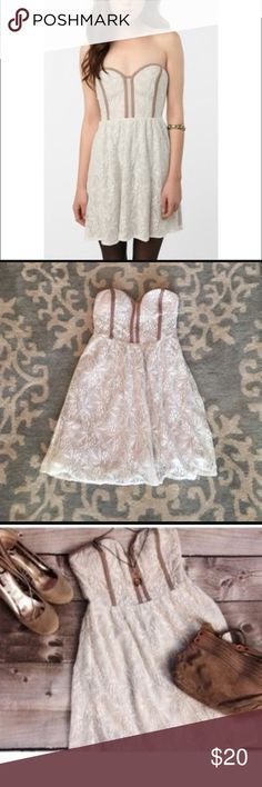 Urban outfitters dress size xs Urban outfitters dress size xs Urban Outfitters Dresses Mini