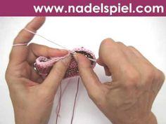 Einfache Babyschuhe gehäkelt mit Häkelblüte by elizza - per Video
