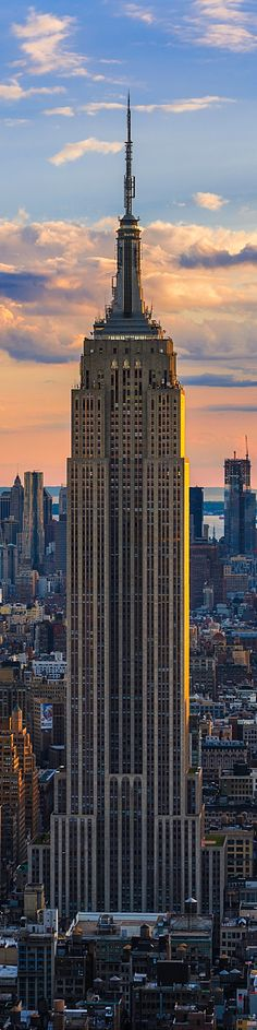 Enchanting architecture, a true master piece in New York city's skyline: Empire State building