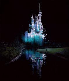 Cinderella Castle, Magic Kingdom, Walt Disney World After we first featured Jamie Beck and Kevin Burg's stunning cinematic gifs (or Cinemagraphs), we knew Disney World Resorts, Disney Parks, Walt Disney World, Gifs, Ann Street Studio, Sleeping Beauty Castle, Famous Castles, Cinderella Castle, Gif Animé