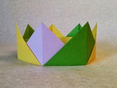 How to make a Crown Origami? (Crown Paper Folding step by step) Origami Crown, Origami Butterfly, Origami Folding, Origami Flowers, Origami Art, Paper Folding, Make A Crown, Diy Crown, Projects For Kids