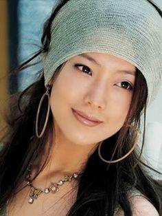 hair scarf and hoops - bizhizu.cn - repin of Lisa Francis