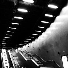 #neon #lights #interior #design  #architecturaldetail #architecturelovers #minimalism  #architecture #abstract #minimalist  #tube #londonunderground #londonundergroundphotography #london #blackandwhite #monochrome #bw #biancoenero #blancoynegro #noir #noiretblanc #mobilephotography #streetphotography #iphoneography