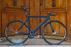 """bicyclestore: """"Leader 735 Blackhorn by Bicycle Store Photo: C-reel """" Urban Bike, Bicycle Store, Track Cycling, Bicycle Brands, Fixed Gear Bicycle, Cool Bike Accessories, Bike Seat, Bicycle Design, My Ride"""