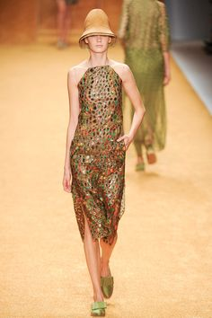 2a. Akris Spring 2014 RTW  Silhouette similar to the egyptian beaded sheath dress from New Kingdom From 1470 - 11th century BC