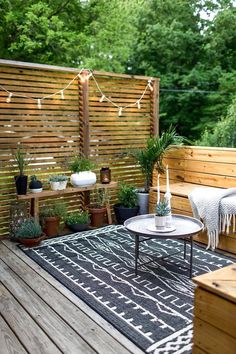 42 Popular Small Backyard Patio Design Ideas Thoughts for small backyard patios are interminable! Try not to be debilitated if your backyard is little and you figure … Small Terrace, Backyard Seating, Backyard Patio Designs, Small Backyard Landscaping, Backyard For Kids, Landscaping Ideas, Backyard Privacy, Modern Backyard, Desert Backyard