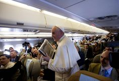 .@Pontifex_pt: 'Liberdade de expressão não dá direito de insultar a fé do próximo'. http://glo.bo/1x56iMJ