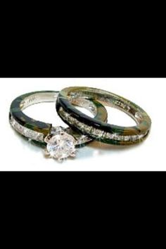 Country girl wedding!! Camo rings