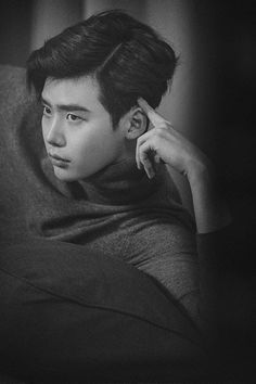 Lee Jong Suk Considers MBC Drama W and is Featured in February Edition of High Cut Magazine Lee Jong Suk Cute, Lee Jung Suk, Korean Star, Korean Men, Asian Men, Korean Celebrities, Korean Actors, Asian Actors, Lee Jong Suk Wallpaper