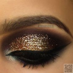 16. #Glittering Gold - 37 Ingenious Eye Shadow #Looks for a Night out ... → #Makeup #Shadow
