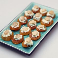 Pin for Later: An Elegant (but Easy) Christmas Dinner Menu Apricot, Goat Cheese, and Almond Bites Apricot, goat cheese, and almond bites are vegetarian and take almost no time to prep. Gluten Free Appetizers, Vegetarian Appetizers, Cheese Appetizers, Holiday Appetizers, Appetizer Recipes, Party Appetizers, Easter Appetizers, Delicious Appetizers, Appetizer Buffet