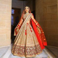Sabyasachi #Couture #TheSabyasachiBride #RealBride #DreamWeddings #DestinationWeddings #IncredibleIndianWeddings #HandCraftedInIndia