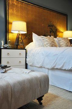 Folding screen headboard home ideas for 2019 Gold Bedroom, Bedroom Decor, Bedroom Linens, Dream Bedroom, Hindus, Gold Headboard, Headboard Ideas, Asian Inspired Bedroom, Tiny House