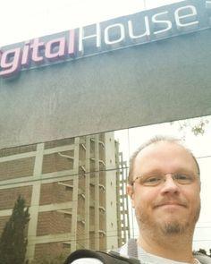 Nuevo centro de #capacitacion en donde dar #herramientas para #automatizacion de #redessociales #digitalhouse