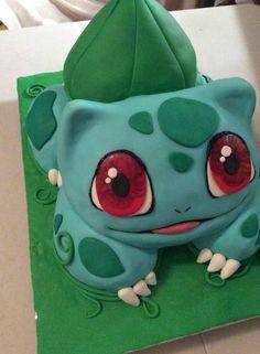 hier zeigen wir ihnen eine grüne pokemon torte, die den kindern sehr gut gefallen könnte ein grünes pokemon wesen mit großen roten augen Baby Pokemon, Pokemon Birthday, Pikachu Pikachu, Smash Cake First Birthday, 10th Birthday, Pokemon Torte, Pokemon Cakes, Cupcakes, Cupcake Cakes