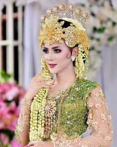 Kebaya Wedding, Wedding Hijab, Wedding Poses, Wedding Bride, Bride Makeup, Wedding Makeup, Indonesian Wedding, Kebaya Dress, Bridal Hijab