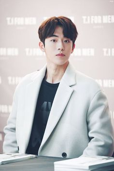 ❣️Oppa Nam Joo Hyuk💕 There is a lot of love that I can give you Nam Joo Hyuk Tumblr, Nam Joo Hyuk Cute, Kim Joo Hyuk, Nam Joo Hyuk Lee Sung Kyung, Jong Hyuk, Asian Actors, Korean Actors, Nam Joo Hyuk Wallpaper, F4 Boys Over Flowers