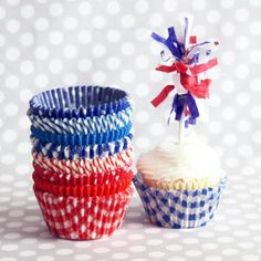 Patriotic MegaMix, 100 cupcake liners in 87 designs for $9.00 at Sweet Lulu