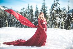 Kamikay photography is a local Seattle wedding, family, and newborn photographer! Maternity Poses, Maternity Portraits, Maternity Photographer, Photos Tumblr, Winter Maternity Pictures, Maternity Photography Outdoors, Photography Tips, Trends, Pregnancy Photos