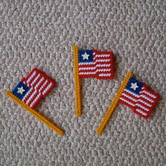 Plastic Canvas American Flag Magnets set of 3 by ReadySetSewbyEvie, $4.50