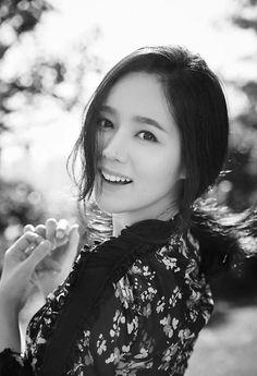 Han Ga In returns to the spotlight   Koogle TV