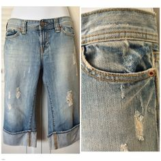 Old Navy low-waisted, cuffed, denim capris. Old Navy low-waisted, cuffed, denim capris. 100% cotton. EUC. Old Navy Jeans