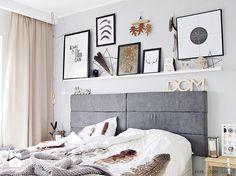 To samo pomieszczenie, to samo łóżko, ten samo kolor ścian... Zobaczcie jak potrafi się zmienić sypialnia dzięki wymianie dekoracji oraz dodatków. Trudno zaprzeczyć stwierdzeniu, ż ...