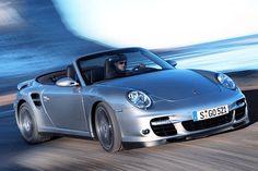 Lors de sa sortie en 2006, la Turbo domine la gamme. Elle est disponible en version coupé et cabriolet. Avec son 6 cylindres 3.6 l bi-turbo à géométrie variable, elle dispose de 480 chevaux. Sa puissance atteint 500 chevaux en 2009 avec une cylindrée poussée à 3.8 l.