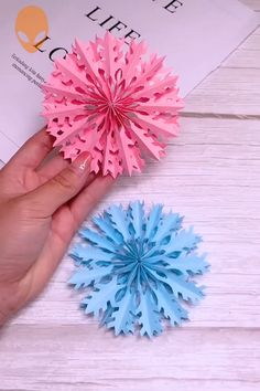 weihnachten video 10 Fun Origami Ideas For Christmas - DIY Tutorials Videos Diy Origami, Paper Crafts Origami, Useful Origami, Origami Ideas, Paper Crafting, Crafts To Make, Easy Crafts, Tutorial Diy, Diy Papier