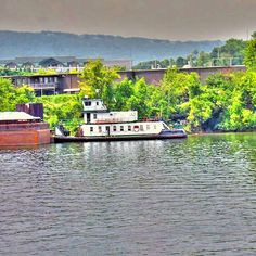 Tug boat Tennessee River