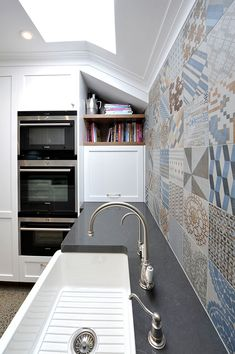 live :: middle park kitchen designed by eat.live with azulej feature tiles Condo Design, Feature Tiles, Kitchen Design, Middle, Bath, Live, Cuisine Design, Bathing, Bathrooms