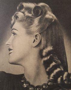 1940s Hairdo