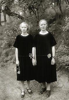 August Sander Country Girls, 1925 © SK-Stiftung Kultur – August Sander Archiv VG-Bild Kunst, Bonn
